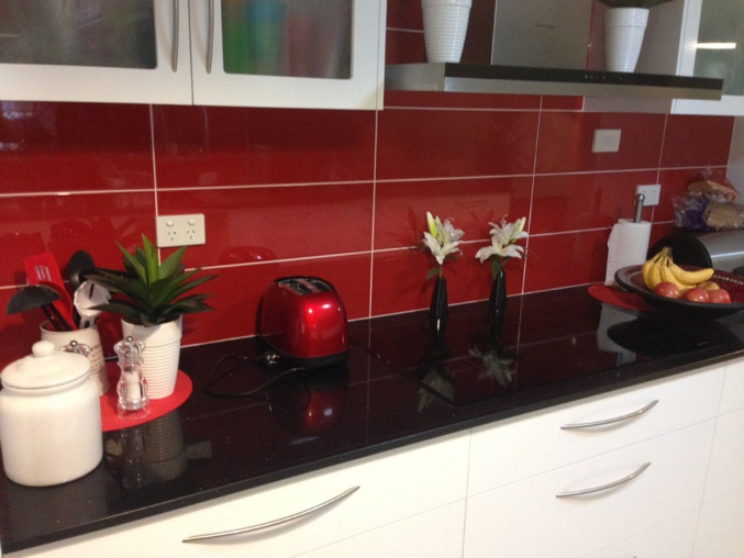 kitchen-splashback-red-tiles